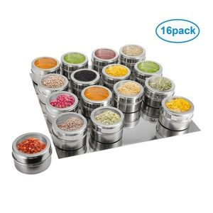 NIB!16 PIECE MAGNETIC SPICE CONTAINERS WITH TRAY